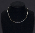 Modern Flat Edge Chocker